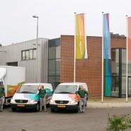 Schefferdrukkerij: vlaggen en wagenpark